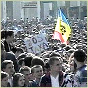 Student protest against government cutbacks in 2000