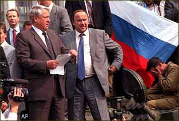 Yeltsin on tank