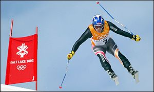 Kjetil Andre Aamodt of Norway powers to the gold medal in the men's combined