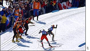 The Norwegians led after the second and third legs, but Sachenbacher quickly passed Moen on an uphill at the 1.7km mark