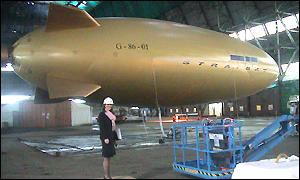 http://news.bbc.co.uk/media/images/35958000/jpg/_35958981_airship300.jpg