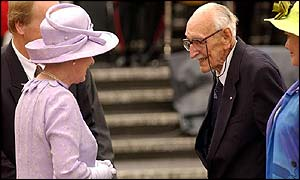 The Queen meets 104-year-old Ted Smout