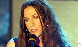 Alanis Morissette's new album sold 215,000 copies