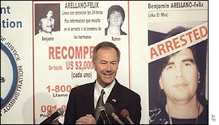 US Drug Enforcement Administrator Asa Hutchinson explains the arrest of drug trafficker Benjamin Arellano Felix