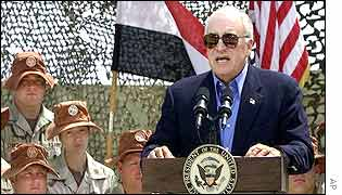 US Vice President Dick Cheney addresses troops in Egypt
