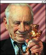 Film-maker Elia Kazan winning the Golden Bear in Berlin