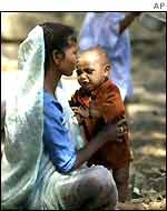 A Muslim woman with her child in Gujarat