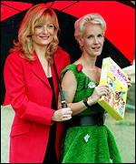 Gaby Roslin and Paula Yates were also original presenters