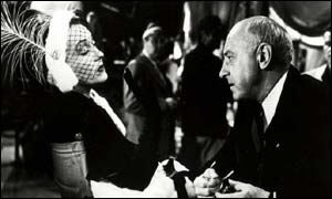 Gloria Swanson (L) and Cecil B. De Mille on the set of Sunset Boulevard