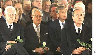 Lionel Jospin (left) and Jacques Chirac (right) among mourners