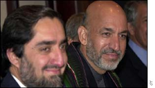 Dr Abdullah Abdullah (l) and Hamid Karzai (middle)