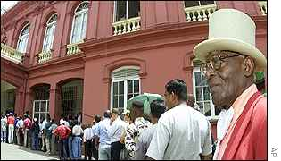 Crowds of people were trying to enter the building to observe Parliament proceedings over elections