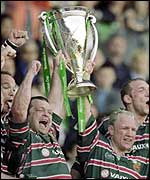 Leicester lift the 2001 Heineken Cup