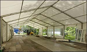 The Green Room under construction in the palace grounds
