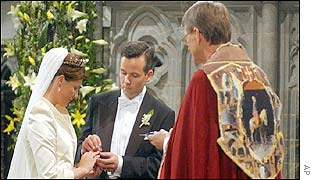 Princess Martha Louise Ari Behn exchange rings to confirm their wedding vows given to Bishop Finn Wagle