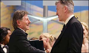 Polanski receives the Palme d'Or from David Lynch