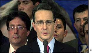 Uribe delivers victory speech