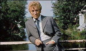 BBC NEWS   Entertainment   Van der Valk plots TV return
