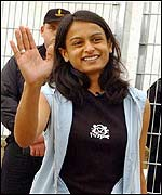 Sunita waves to the crowds