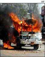 Bus set ablaze in Gujarat