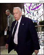 Ariel Sharon arrives for Sunday's cabinet meeting
