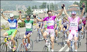 Mario Cipollini won the final stage but Savoldelli took the overall title