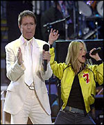 Sir Cliff Richard sang with S Club 7