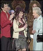 The Queen meets concert performers