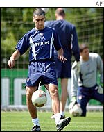USA captain Claudio Reyna in training