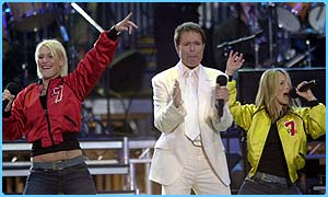 S Club rock with Sir Cliff Richard
