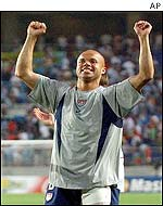 Earnie Stewart celebrates the win