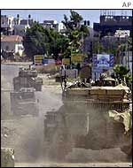 Israeli tanks roll into Jenin
