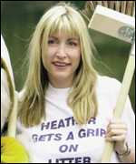 Heather Mills campaigning against litter