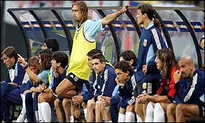 The Argentina bench look disconsolate