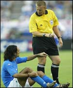 Alessandro Nesta complains to referee Graham Poll