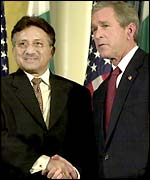 President Bush shakes hands with Pakistani President Pervez Musharraf