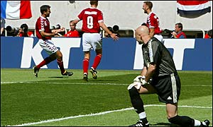 Barthez looks on as France crash out