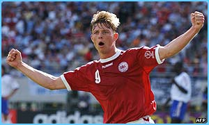 Jon Dahl Tomasson helped Denmark through