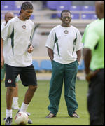 Adegboye Onigbinde supervising a Nigerian training session