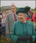 The Queen at Dolau