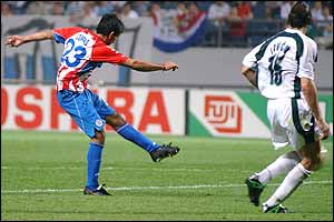Cuevas' strike was rivalled only by his captain Chilavert, whose stinging free-kick was tipped over the bar
