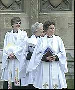 Women priests ordained by Dr Carey, Archbishop of Canterbury