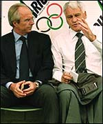 Bobby Robson and Sven-Goran Eriksson exchange tips