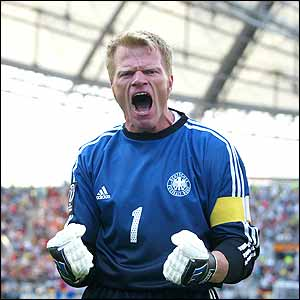 German captain Oliver Kahn celebrates his team's win over Paraguay