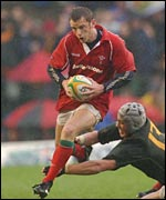 Wales fullback Kevin Morgan breaks clear