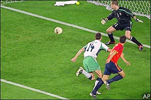 Fernando Morientes scores for Spain in the 7th minute