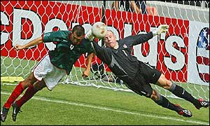 Brad Friedel makes an important save against Mexico