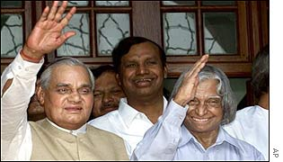 Indian Prime Minister Vajpayee (l) with presidential candidate Abdul Kalam