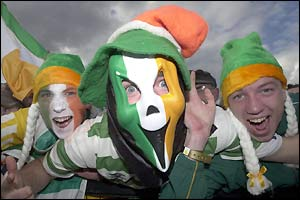 A group of excited Ireland fans