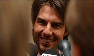 Reporters quiz Tom Cruise